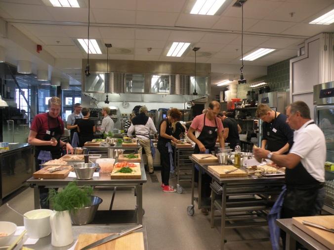 Full aktivitet i köket! Kurs på Restaurangakademien i augusti -14
