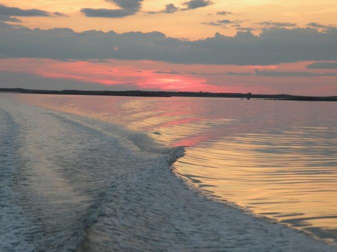 Båtfärdshimmel att minnas när höststormarna ryter