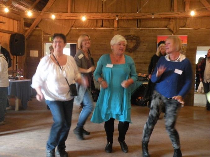 Shake it babes!