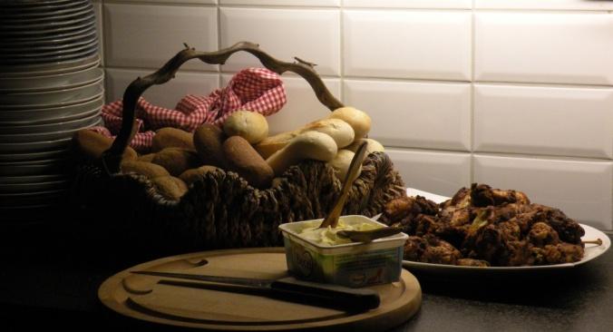 Gott bröd och kryddig kyckling