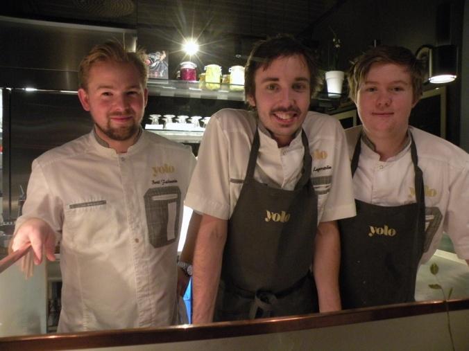 Några av Yolo's duktiga kockar med Jonas Lagerström i mitten.