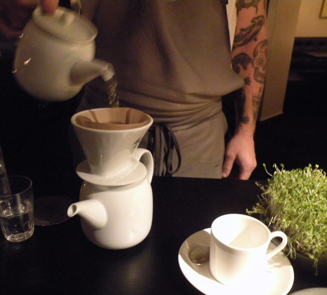 Svart, hett, starkt kaffe i min smak!