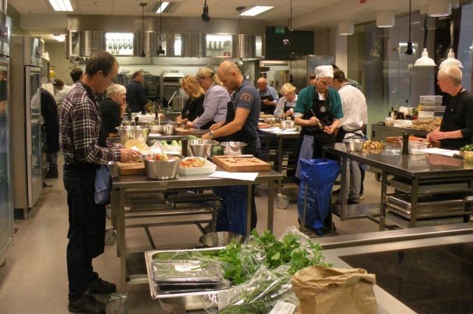 Full fart i köket på Restaurangakademien!!