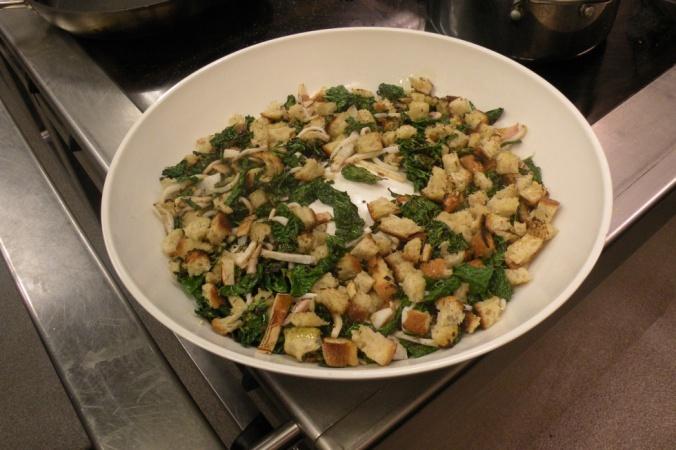 Svartkål och svensk bläckfisksallad. Perfekt som starter! Lätt, fräsch och god!