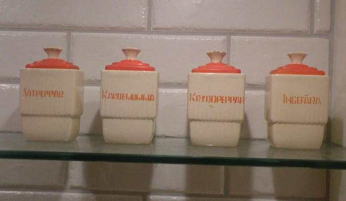 Användbara kryddor då och nu..Vitpeppar, kardemumma, kryddpeppar och ingefära.