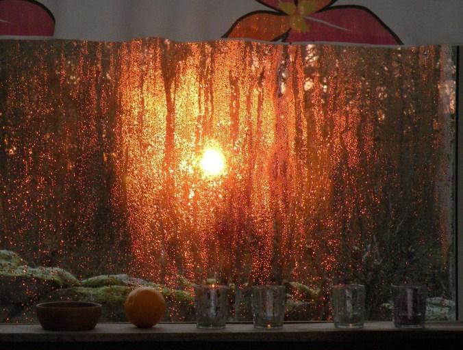 Vattendroppar blir som tusentals små lampor