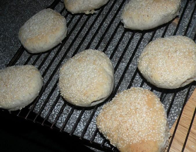 Nu ska de bara svalna och sen blir det hamburgarfest!