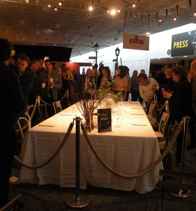 Bordet är klart för att fyllas med mästerverk!