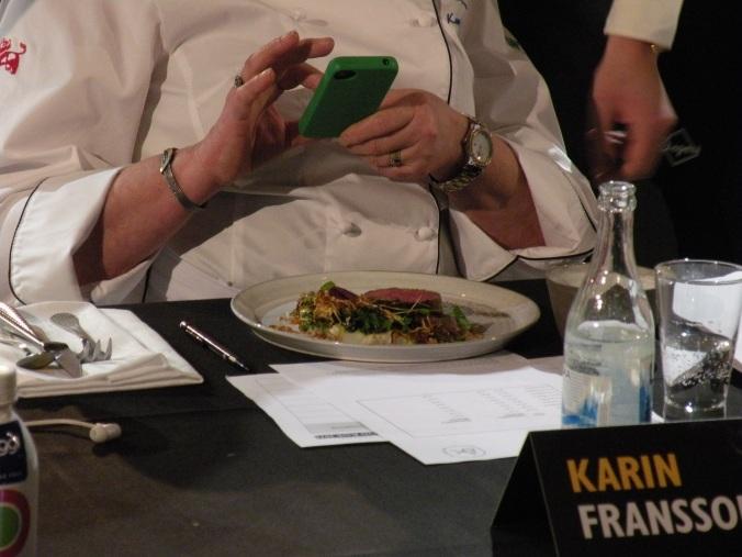 Karin Fransson förevigar en lammtallrik