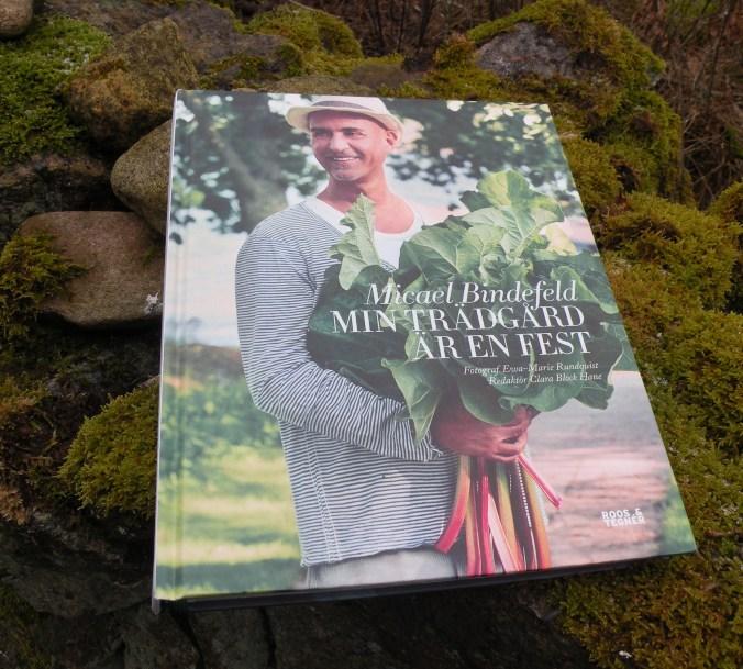 """Micael Bindefelds fina bok """"Min trädgård är en fest."""""""