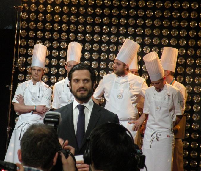 Förra årets final. Strax ska Prins Carl-Philip avslöja vem som blir Årets Kock 2014!