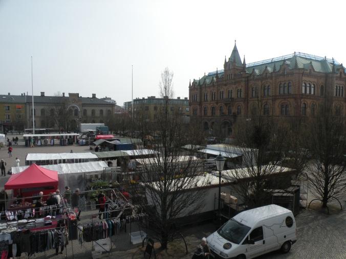 Vårlördag på Varbergs torg