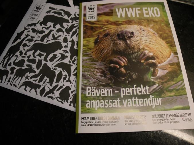 WWF:s tidning Eko och ett handskrivet kuvert